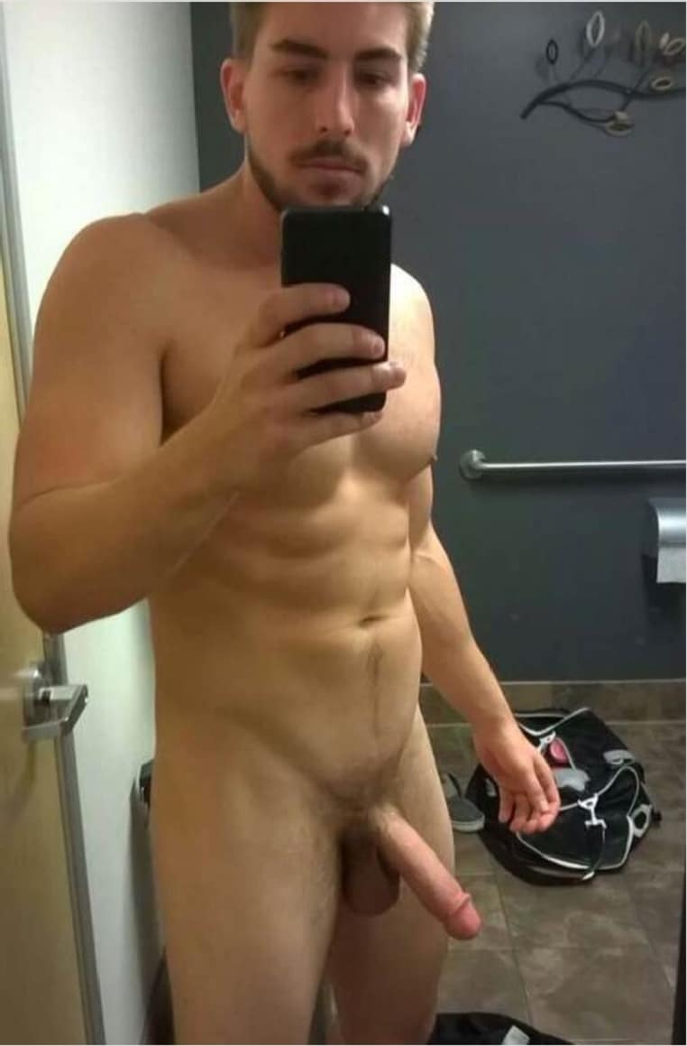 hot gay lockerroom